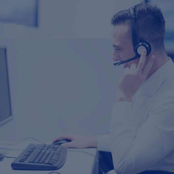 male-call-centre-operator-web